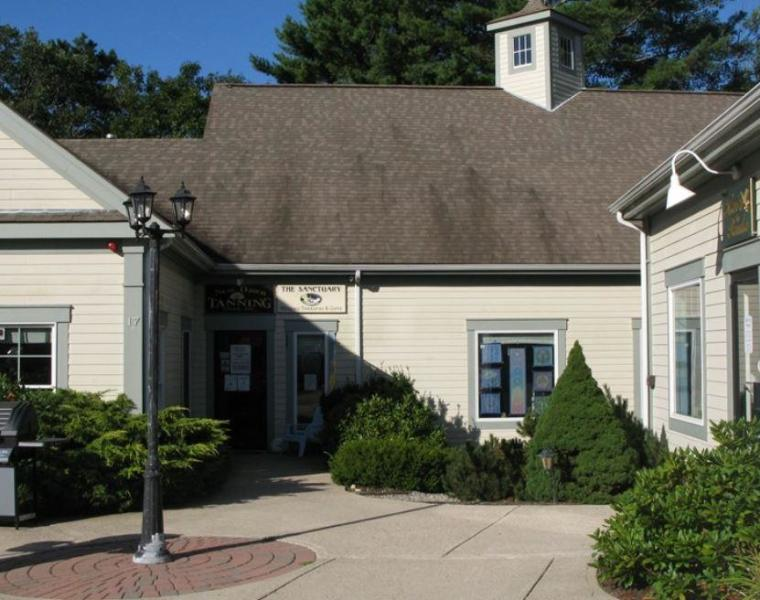 2,000+/- Sq Ft Retail/Professional Office Space For Lease