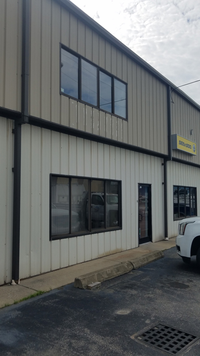 1,400+/- Sq Ft Business Bay in Airport Area of Hyannis For Lease