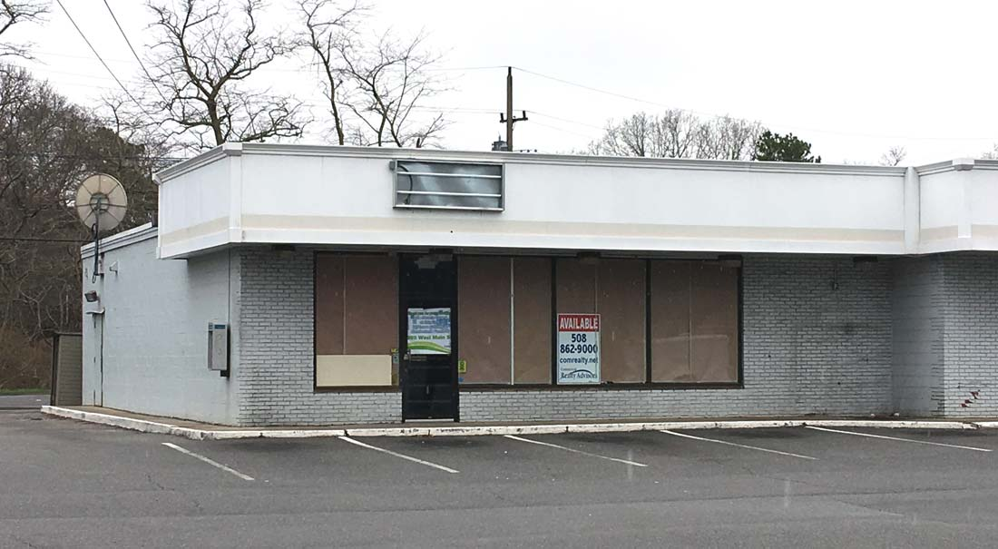 215 West Main St, Hyannis, MA: 2,200+/- Sq. Ft. Retail Storefront for Lease