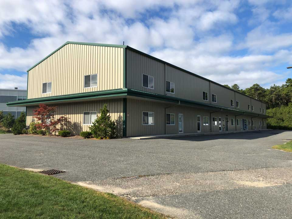 1,000+/- Sq Ft Industrial Bay Space For Lease in Pocasset, Cape Cod