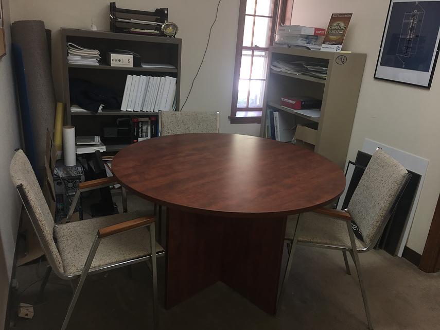 ensuite meeting table